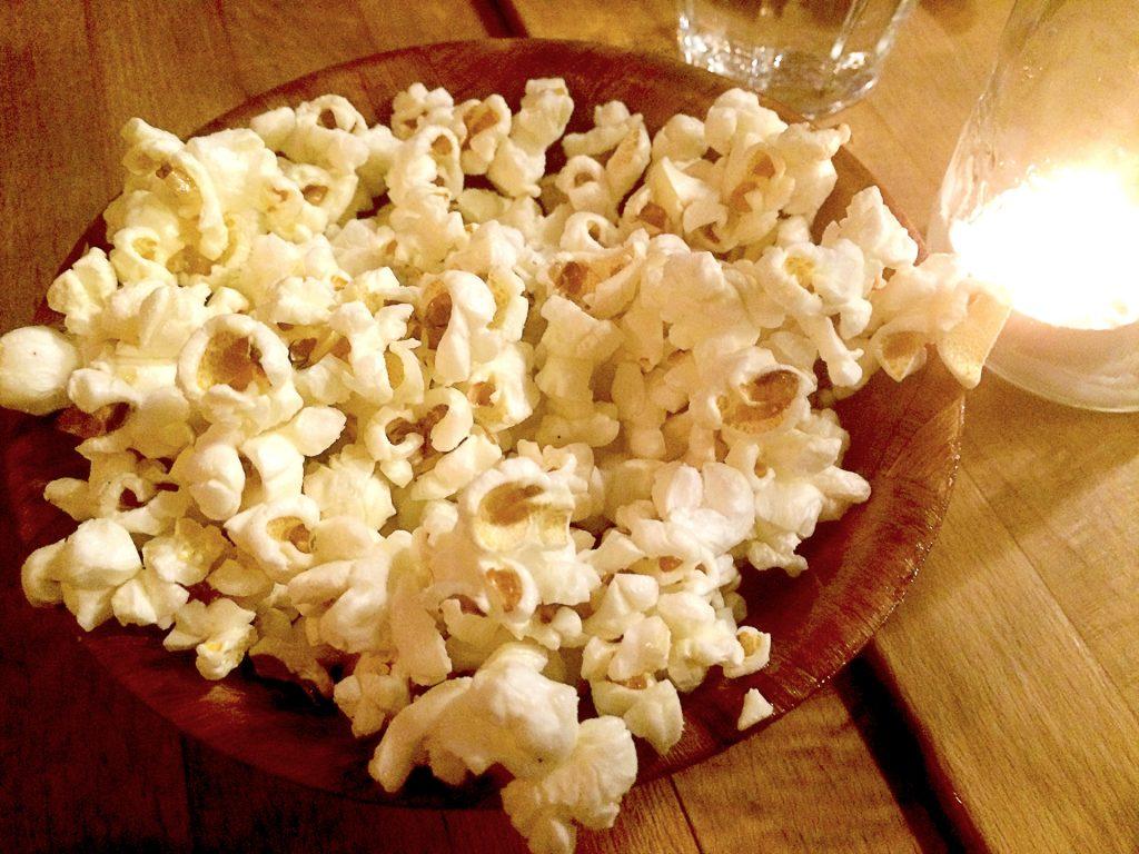 Popcorn at Il Castello Pizzeria | tryhiddengems.com