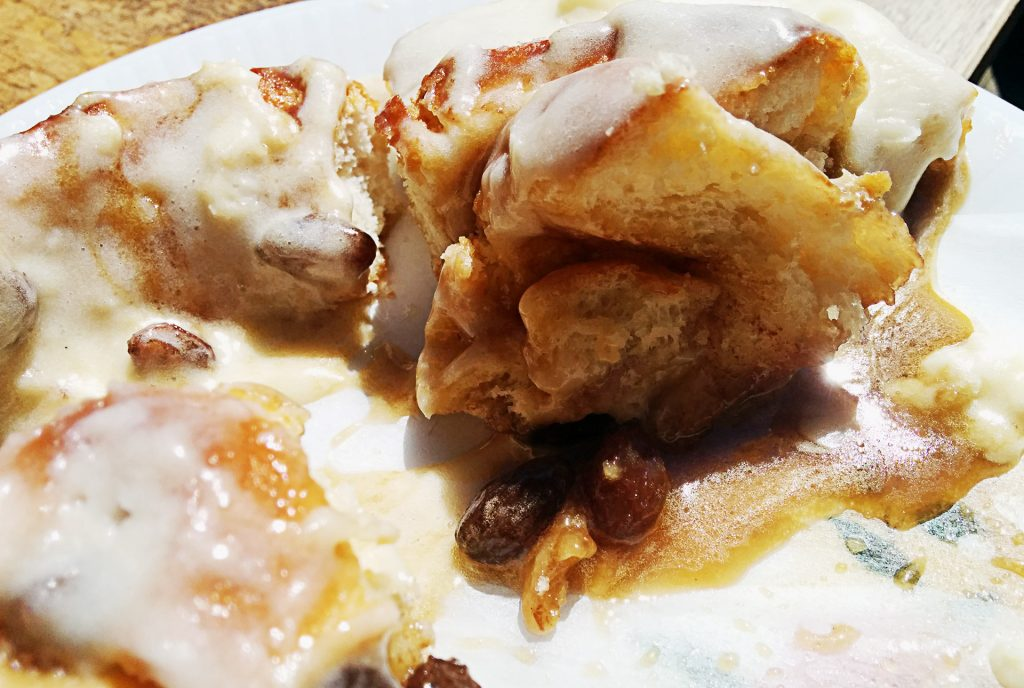 Cinnamon Bun at Doughgirl's | tryhiddengems.com