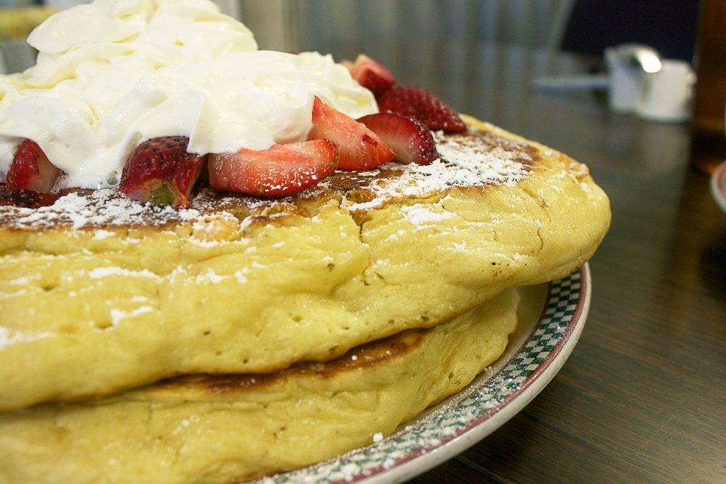 The Grrrreat Pancakes at Jethro's Fine Grub | tryhiddengems.com