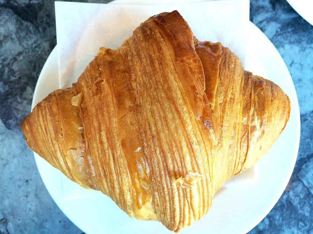 Croissant_BeaucoupBakery1