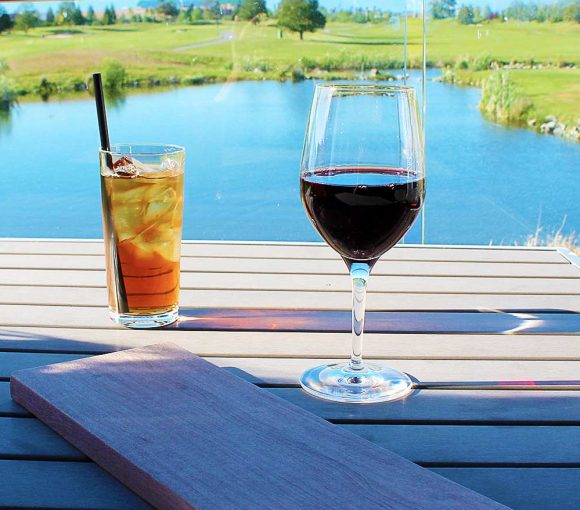 Pat Quinn's Golf Club - High End Bar Restaurant - Tsawwassen - Vancouver