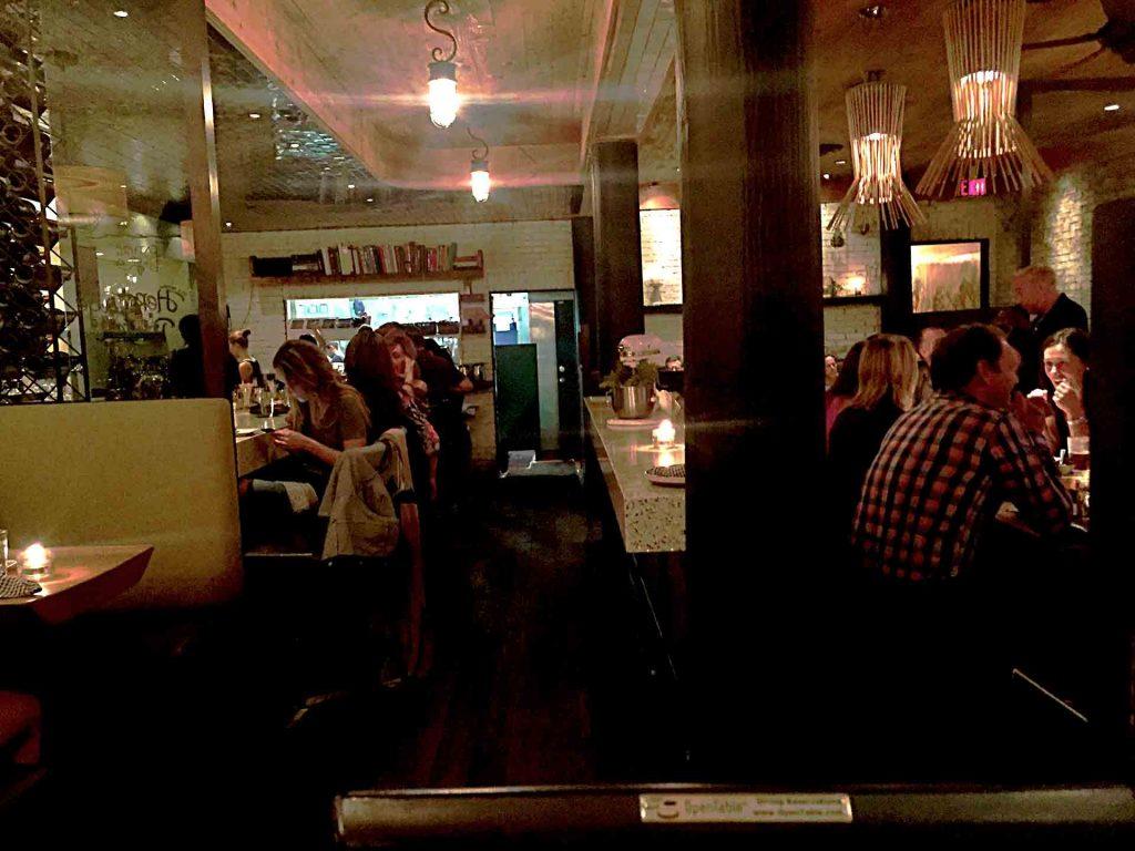 The Oakwood Canadian Bistro - Gastropub - Vancouver