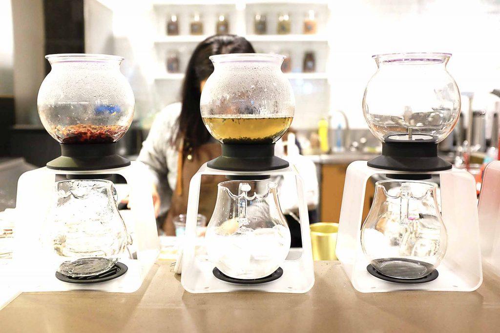 RAD Tea Room - Bubble Tea Shop - Downtown - Vancouver